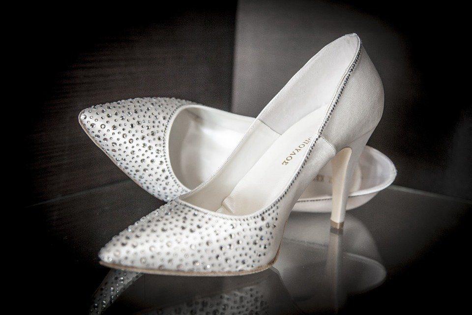 Conseils de mode lors du choix des chaussures de soirée pour dames
